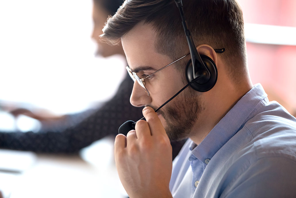 slomins customer service with headset
